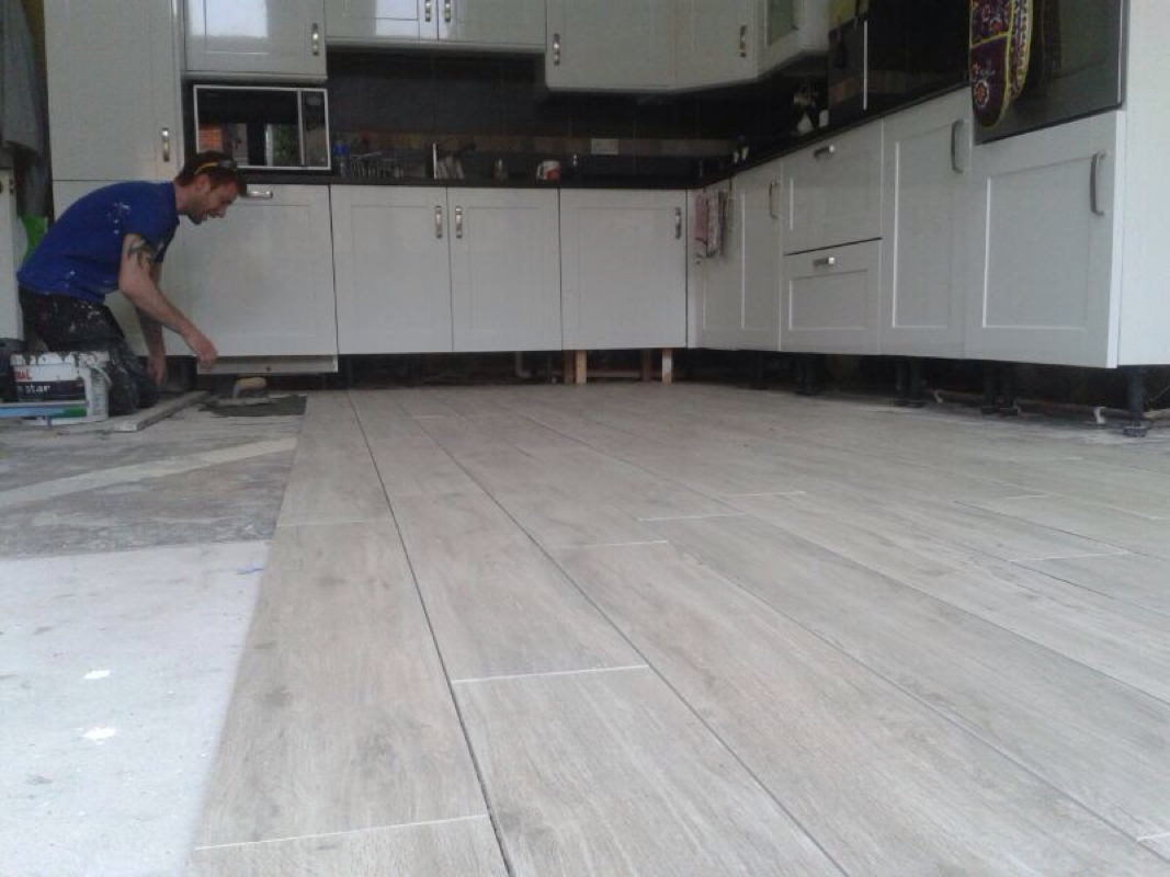 Big Tiles In Floors Shelfer Tiling Specialists